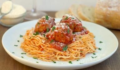 Espagueti con albondigas